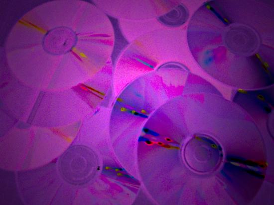 Макар и слабо, общите приходи от продажби на музикални записи в световен мащаб са се увеличили за първи път от 1999 г. Снимка: © artnovini.com
