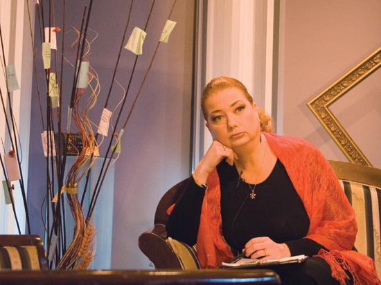 """Райна Йотова е лауреат на Наградата на Столична община за ярки постижения в областта на културата - в категорията """"Журналистика"""", за 2014 г. Снимка: © Радослав Николов"""