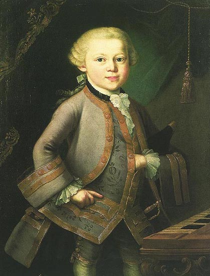 Портрет (най-ранният) на 7-годишния Волфганг в костюмът, който му подарява императрица Мария Терезия след аудиенцията на 13 октомври 1763 г. в двореца Шьонбрун във Виена. Предполага се, че автор на творбата е италианският бароков художник Пиетро Лоренцони. Снимка: wikipedia.org / източник: rmc.library.cornell.edu