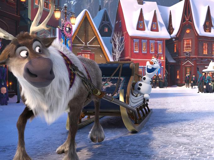 """""""Замръзналото кралство: Коледа с Олаф"""" е напълно нов 20-минутен филм, който връща на екран голяма част от любимите на децата от цял свят герои. Снимка: © Walt Disney Animation Studios / Forum Film Bulgaria"""