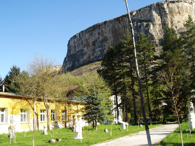 Почти 100 години след създаването на уникалното Училище по каменоделство във врачанското с. Кунино бъдещето му изглежда неясно. Снимка: © artnovini.com