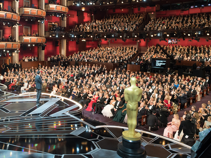 """Комикът Джими Кимел получи висока оценка за работата си като водещ на церемонията по връчването на 90-те награди """"Оскар"""". Снимка: Todd Wawrychuk / A.M.P.A.S."""