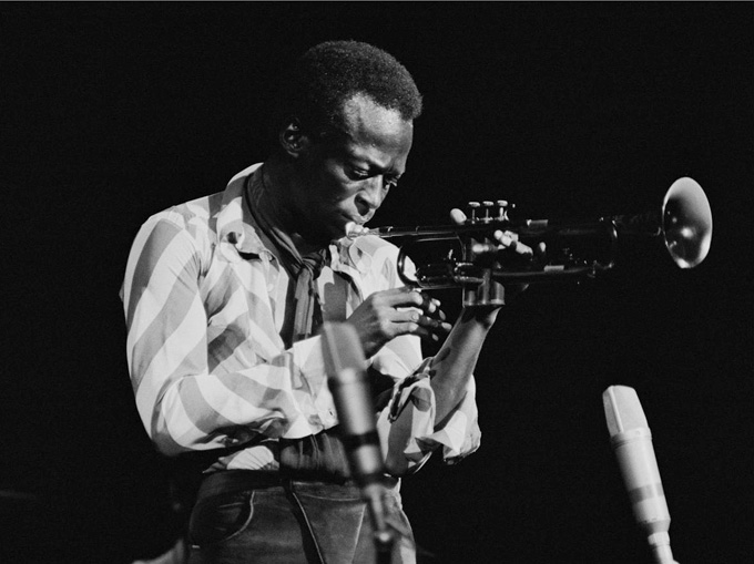 Майлс Дейвис е едно от най-големите имена в историята джаза. Photo Credit: 2014 © Glen Craig / Columbia/Legacy Recordings
